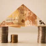 お金で家を作る
